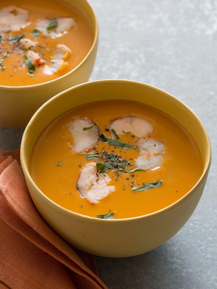 ¡Paciencia! No querrás quemarte la lengua por tu entusiasmo por empezar a comerte este delicioso caldo. Obtén la receta .