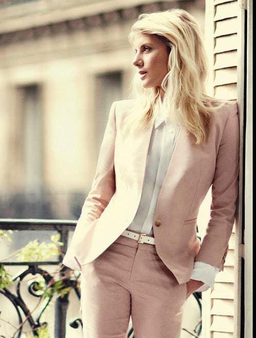 19 Mujeres que se ven mejor que los hombres en trajes