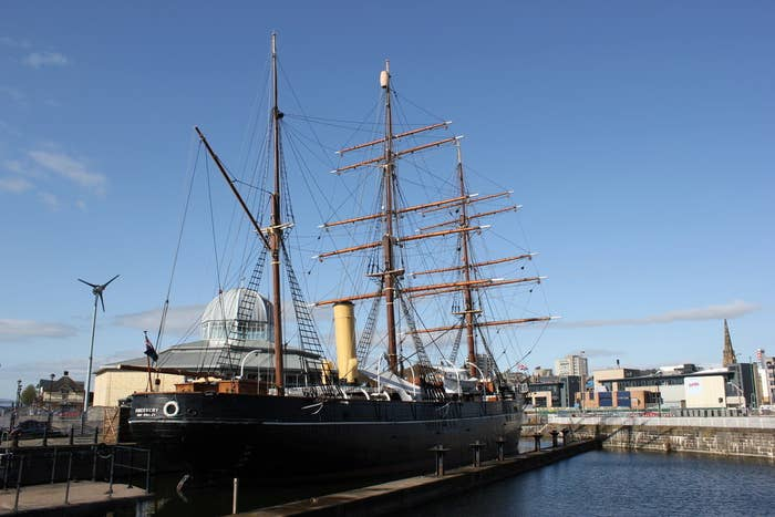 Dundee's RSS Discovery, an Antarctic research ship launched in 1901, was the last wooden three-masted ship ever built in Britain.
