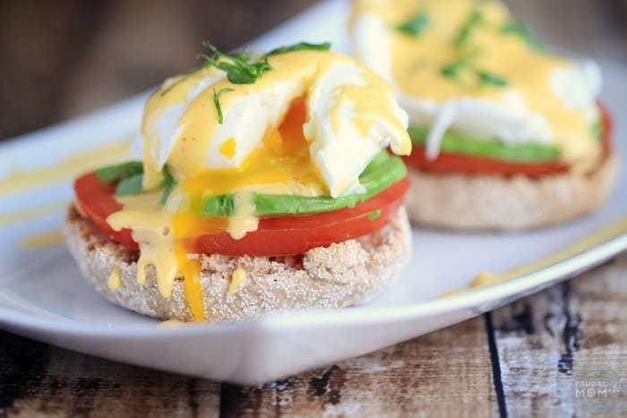 Huevos Benedict estilo California
