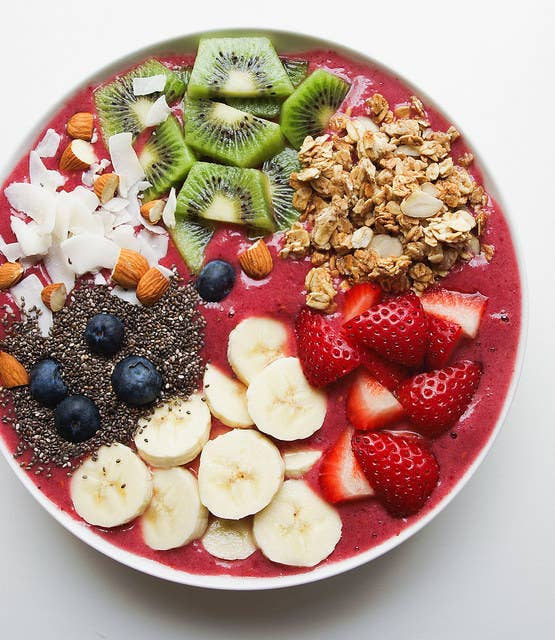 25 meat free clean eating recipes that are actually delicious 3 enlighten smoothie bowl forumfinder Gallery