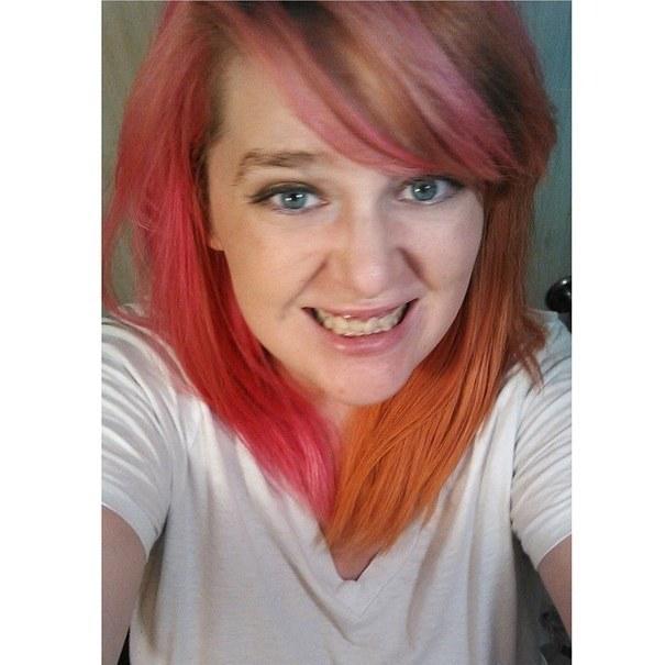 28 Ladies Who Perfected Split Dyed Hair