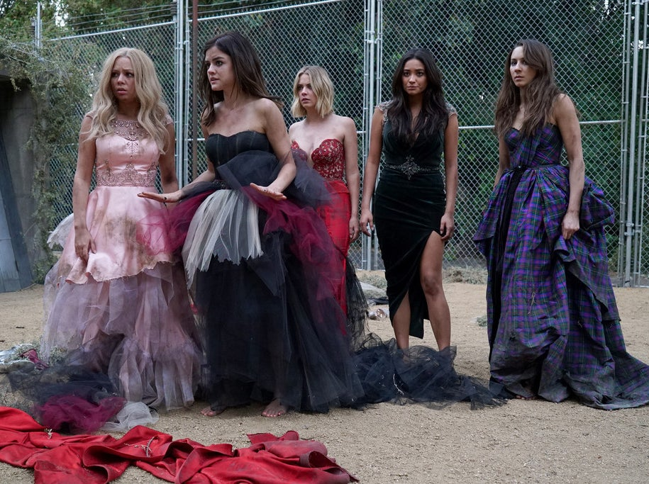 Parrish, Hale, Benson, Mitchell, and Bellisario in the Pretty Little Liars Season 6 premiere.