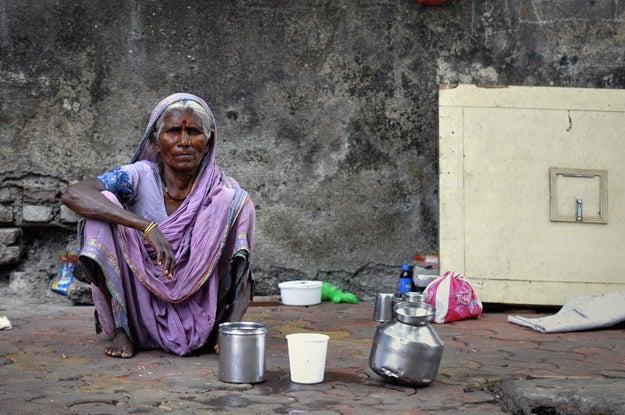 3. Woman in Mumbai, India.