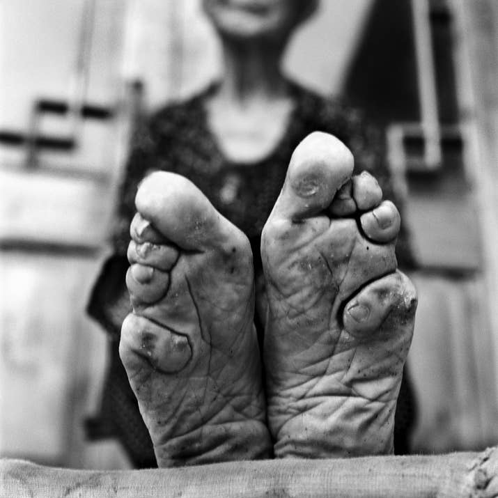 19 photos of the last surviving chinese women with bound feet on dozens of occasions these women bound their own feet as young girls and were not pressurised into doing it by their mothers or family mightylinksfo