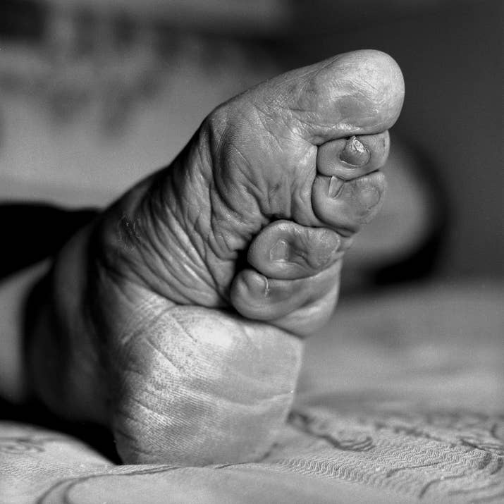 19 photos of the last surviving chinese women with bound feet british photographer jo farrell is documenting a tradition that is dying out with chinas oldest women foot binding mightylinksfo