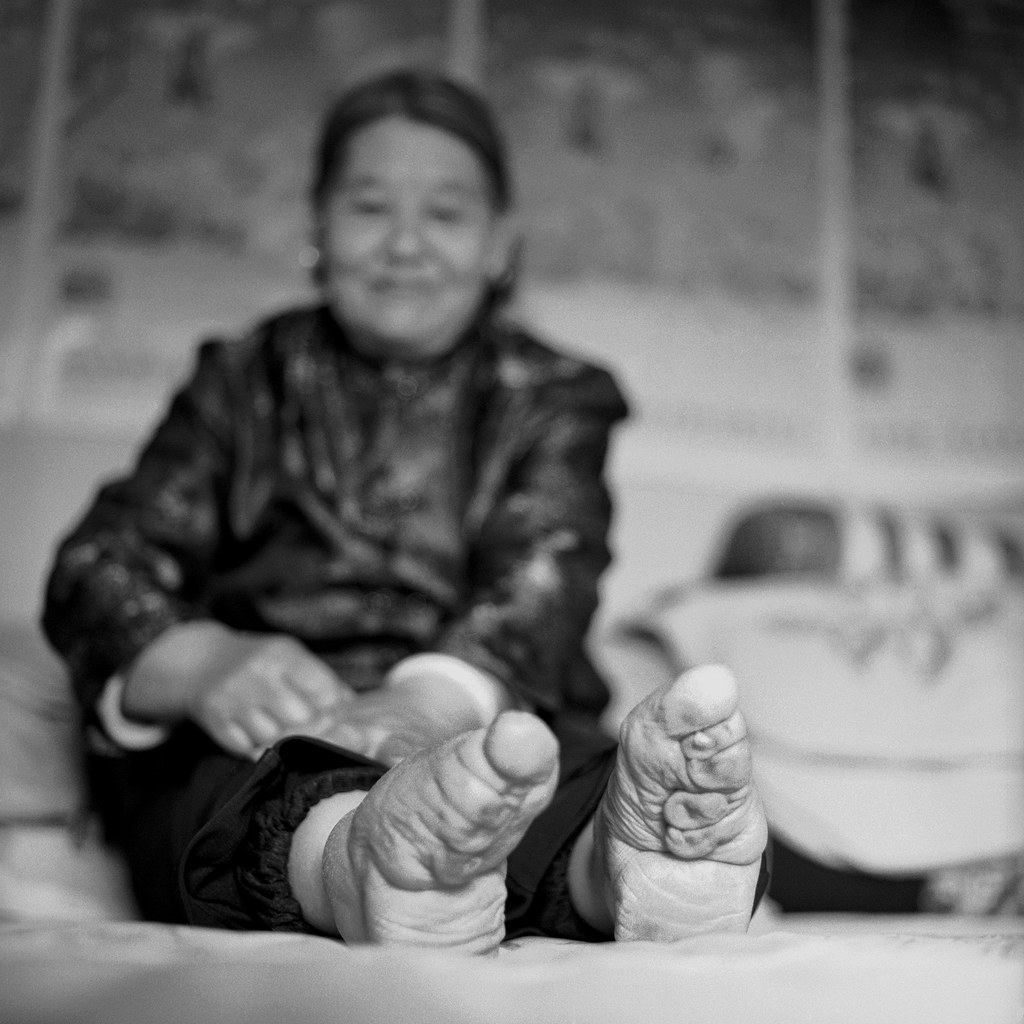 19 Photos Of The Last Surviving Chinese Women With Bound Feet