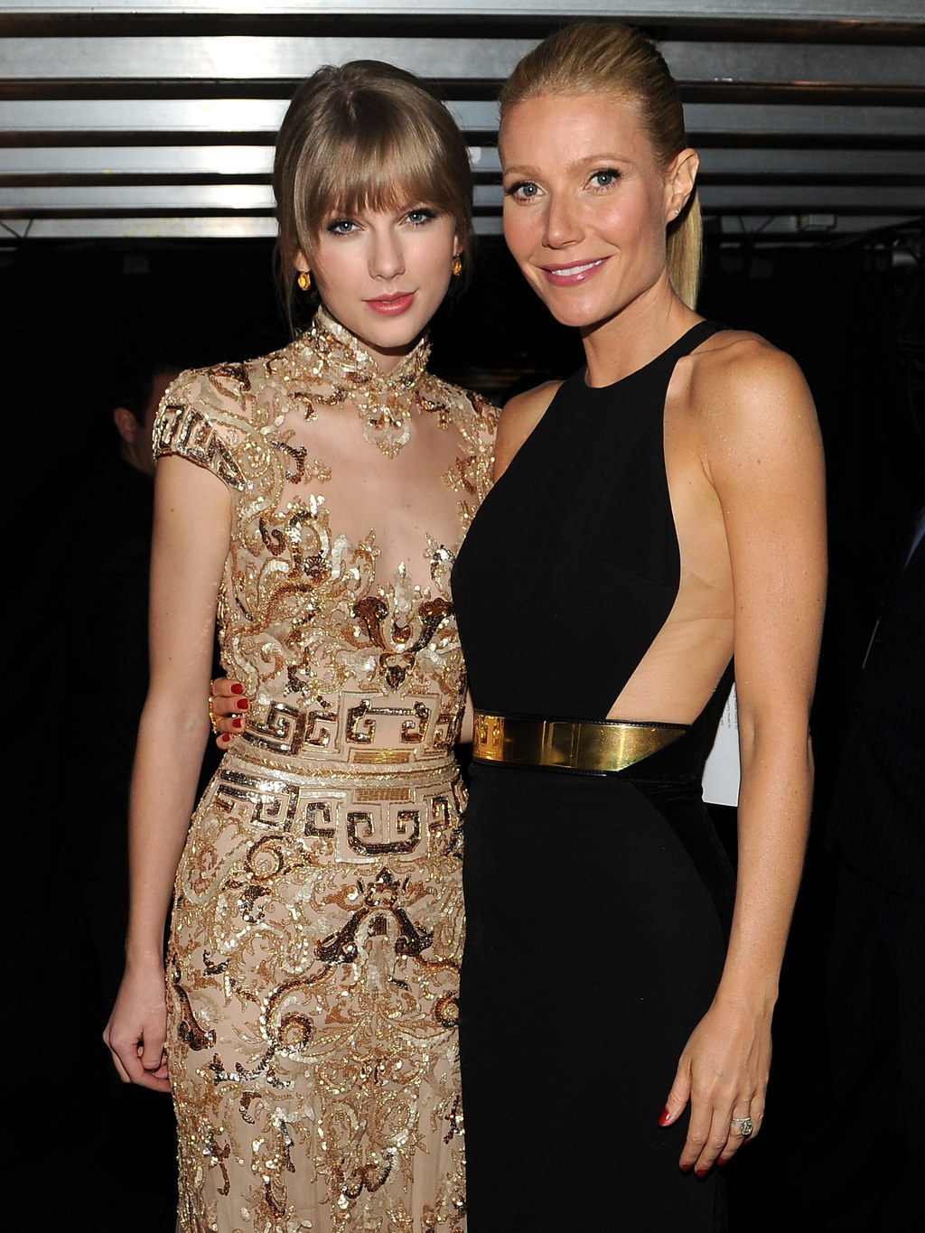 Gwyneth Paltrow Partially Cropped Her Son Out Of A Photo Of Herself And Taylor Swift