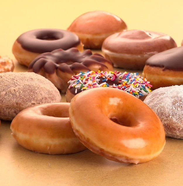 dunkin donut compare to krispy kreme donut Comparing dunkin donuts vs krispykreme may also be of use if you are interested in such closely related search terms as krispy kreme or dunkin donuts, dunkin donuts or krispy kreme, dunkin donuts vs krispy kreme and krispy kreme vs dunkin donuts.