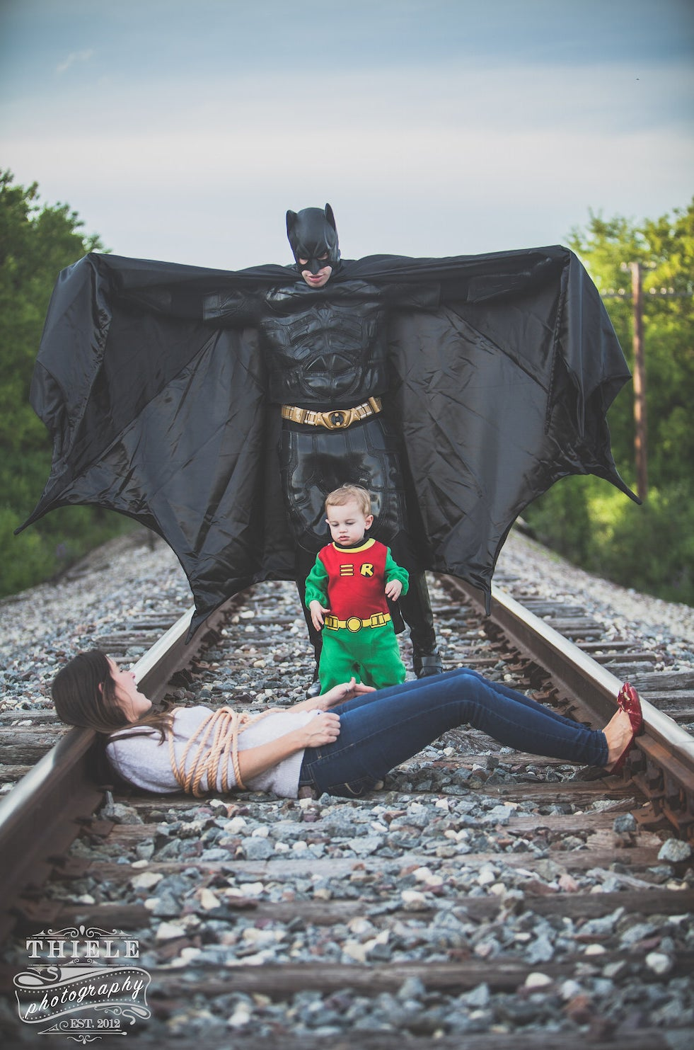 This Wife Surprised Her Husband With An Amazing Batman-Themed Family Photo Shoot