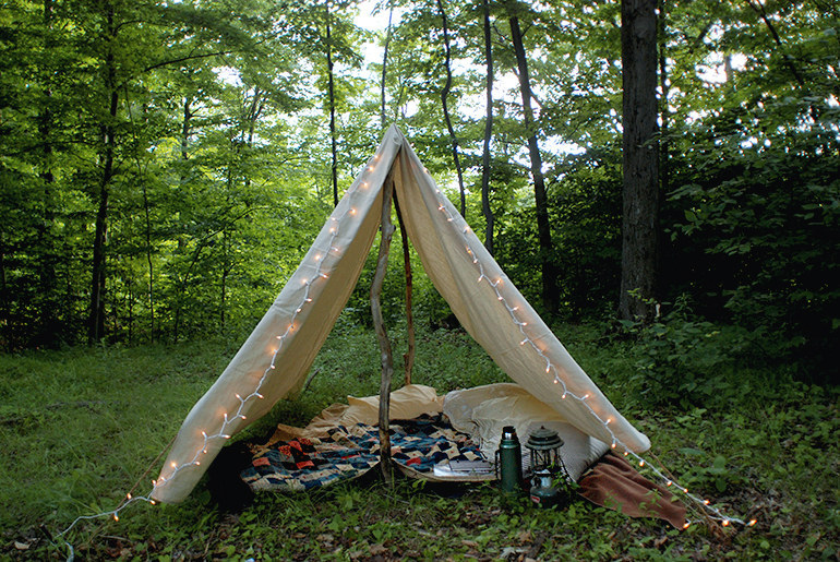 If you donu0027t have a tent of your own build a DIY one. & 28 Genius Backyard Camping Ideas You Need To Try This Summer