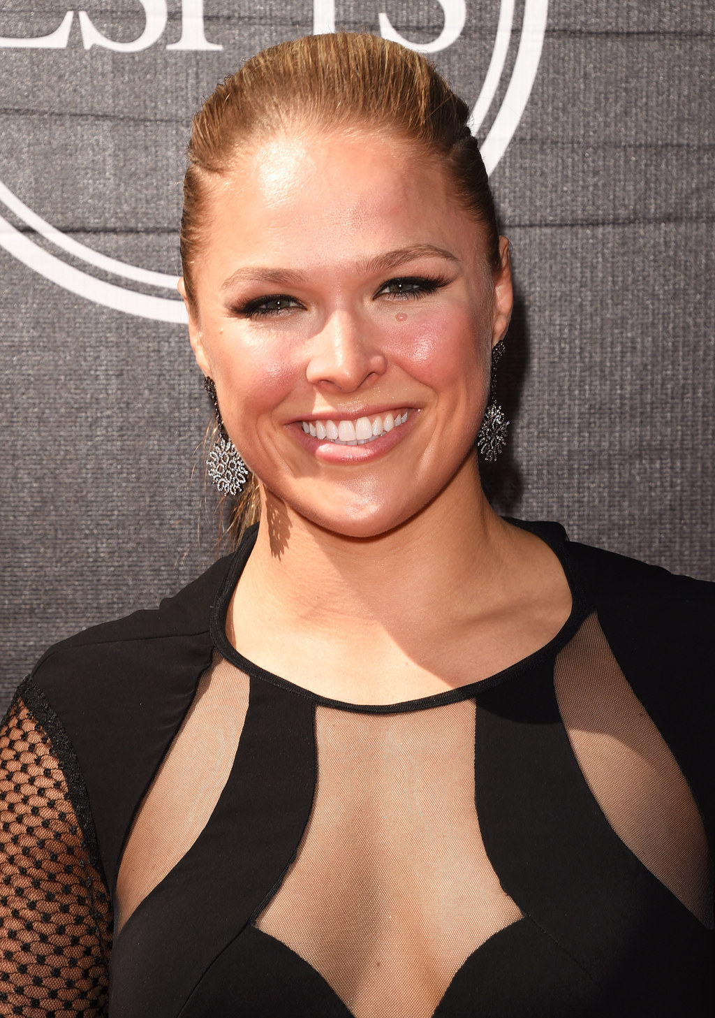 Ronda Rousey Just Destroyed Floyd Mayweather At The ESPYs