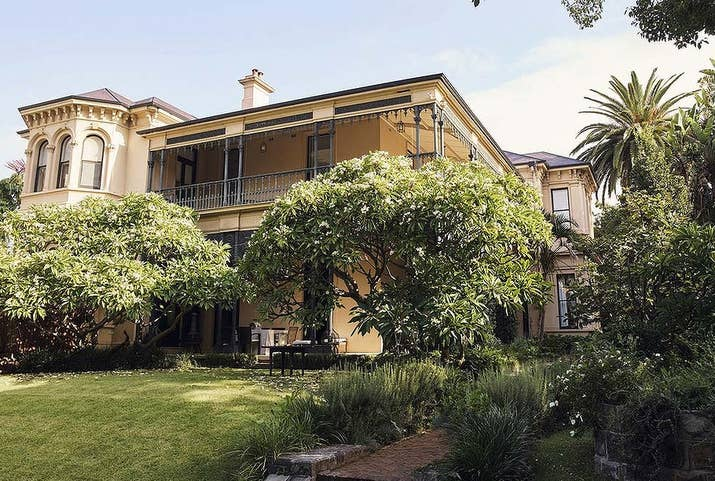 baz luhrmann director of moulin rouge and the great gatsby has put his darlinghurst sydney house up for sale - House From The Great Gatsby