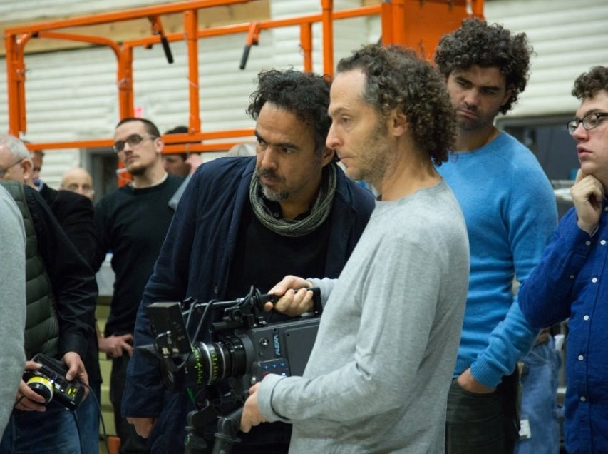 Alejandro González Iñárritu and Emmanuel Lubezki on the set of Birdman.