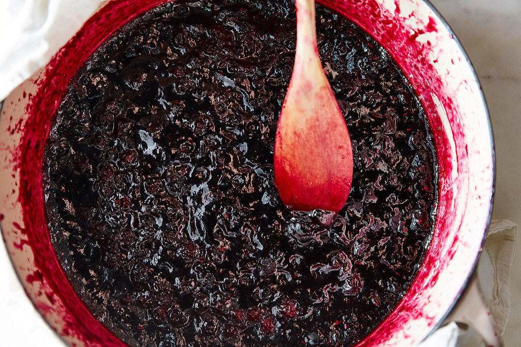 Here's How To Make Berry Jam From Scratch