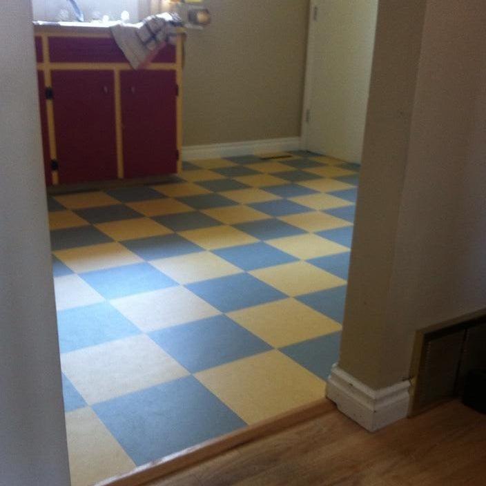 """This Calgary Couple's """"Simpsons"""" Kitchen DIY Is Eeeeexcellent"""