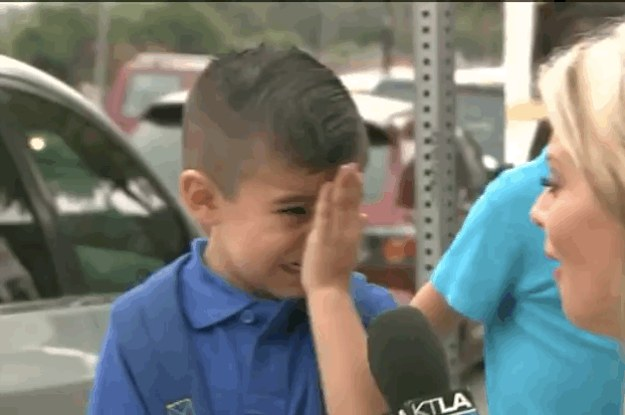 a little boy started sobbing after a reporter ask 2 440 1440088813 0_dblbig a little boy started sobbing after a reporter asked him if he would