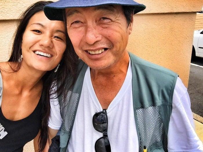 Diana Kim mit ihrem Vater, nachdem er 2014 von der Straße weg kam.