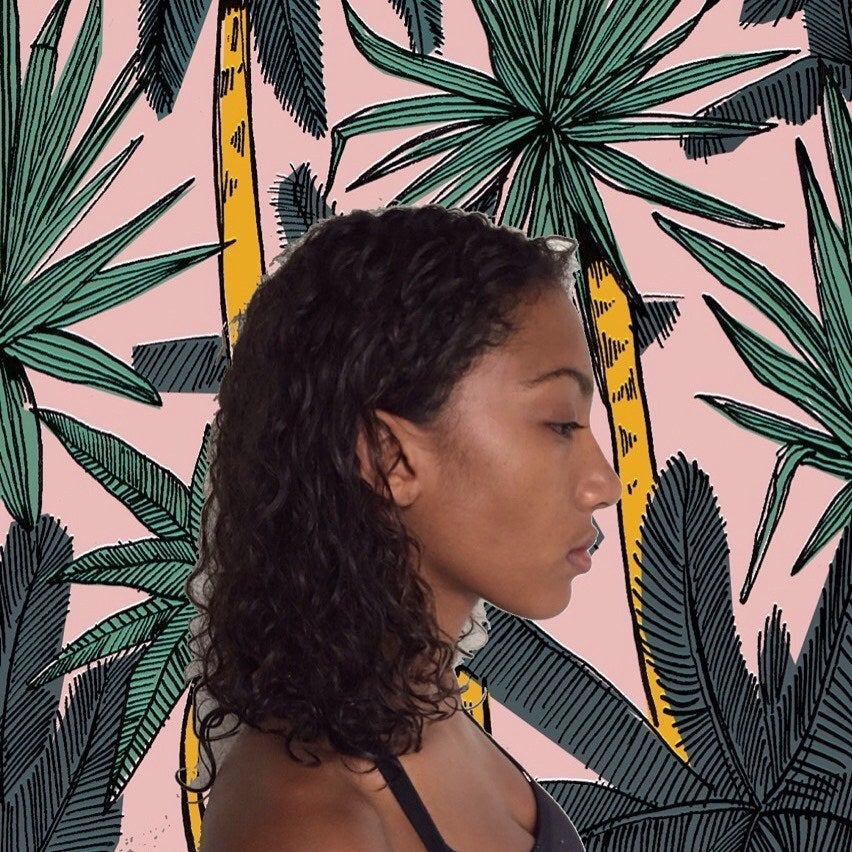Women Of Colour Are Revolutionising Selfies With The Art Hoe Movement-9875