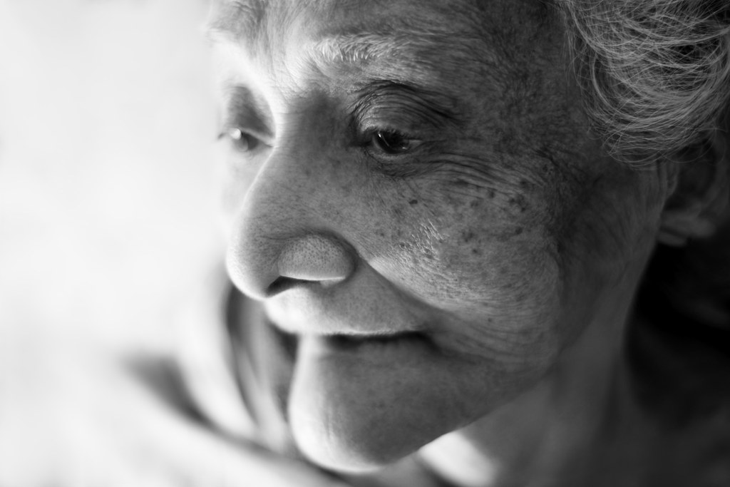 A Photographer Is Documenting The Stories Of Elderly Parsis Through These Stunning Portraits