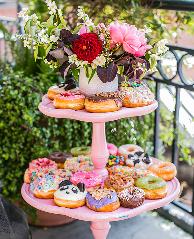 See the rest of this fabulous brunch here.