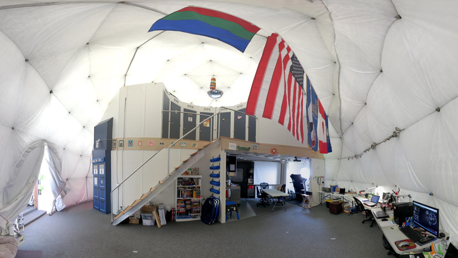 Six People Begin Living In A Dome In Year-Long NASA Experiment