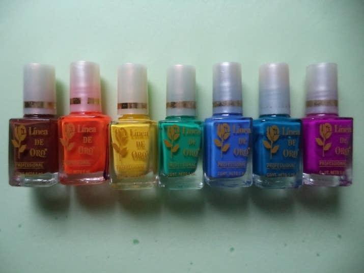 Esta es la razón por la que tu barniz pinta tus uñas de amarillo