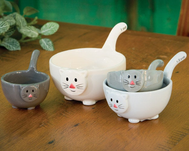 Find Cat Measuring Cups here.