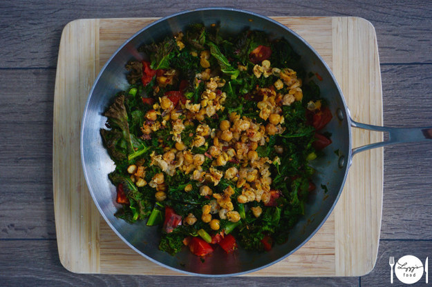 Why Now Is The Right Time For Colorful Autumn Vegan Recipes-Kale Chickpea Bake