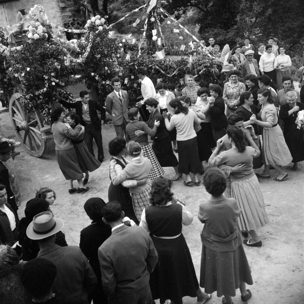 Italians celebrate a May Festival in the village of Bucchianico, near Chieti in Abruzzo. May 1957.