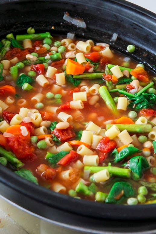 21 vegetarian dump dinners for the crock pot 1 crock pot minestrone forumfinder Images