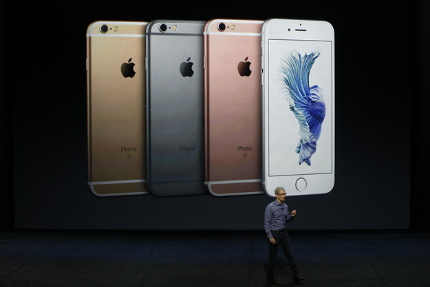 Apple Says iPhone Pre-Orders Are Outpacing Last Year's