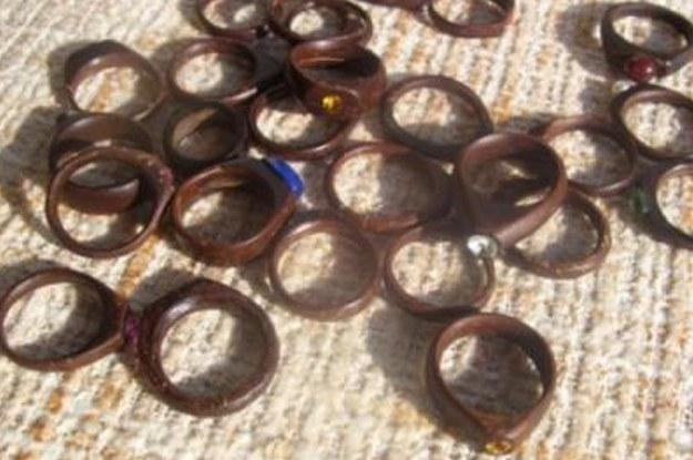 Os anéis de coco, reflexo de toda uma fase hippie pela qual todos passamos.