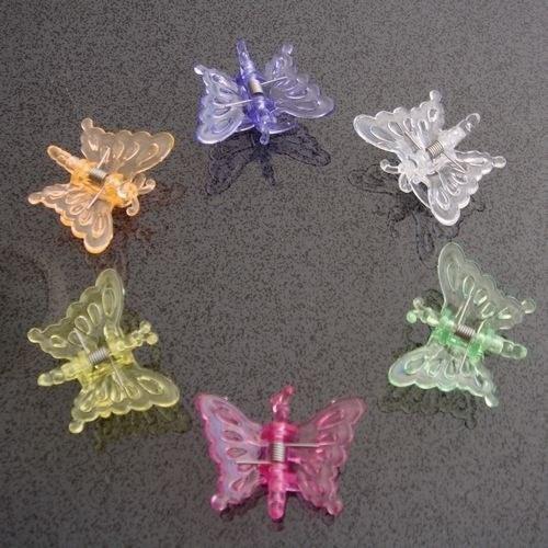As piranhas coloridas em forma de borboletas.