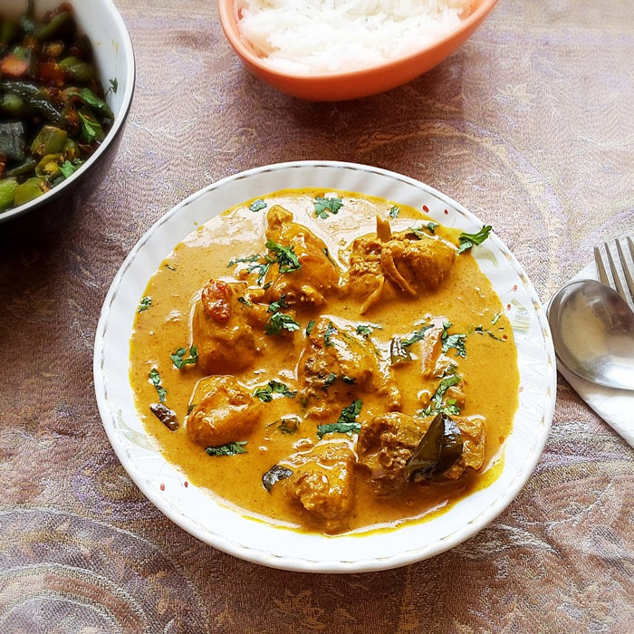 Curried chicken simmered in coconut milk, onions, ginger, garlic, curry leaves, tomatoes, and Indian spices. Served with hot rice or flat bread, this coconut curry will delight everybody. Get this amazing recipe here.