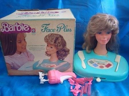 A Barbie Face, que consistia em uma cabeça para maquiar.