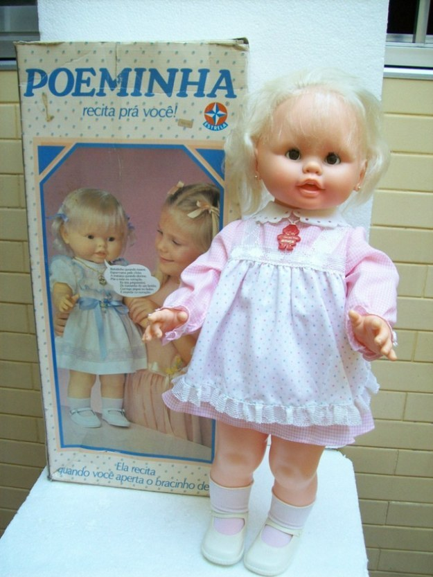 A boneca Poeminha, que recitava.
