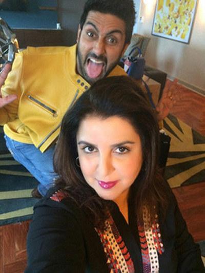 Abhishek Bachchan ruining a Farah Khan selfie.
