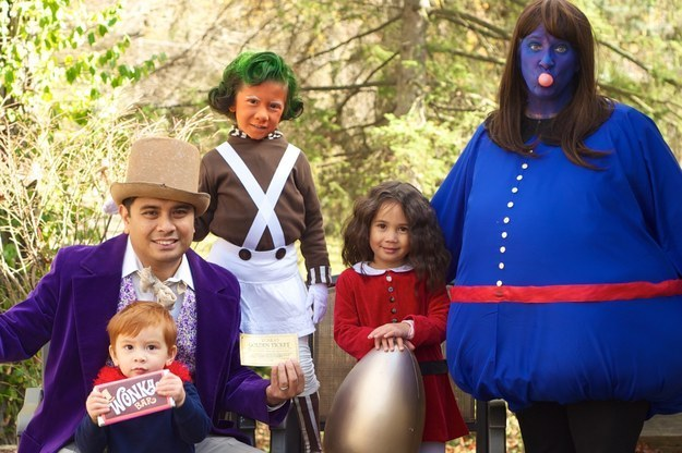 1. The cast of Willy Wonka u0026 the Chocolate Factory  sc 1 st  BuzzFeed & 25 Family Halloween Costumes Thatu0027ll Convince You To Have Kids