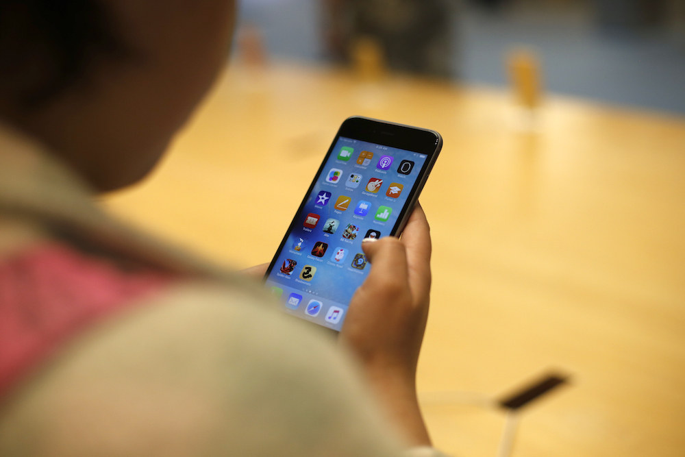 Apple Yanks Hundreds Of Data-Swiping Apps From The App Store