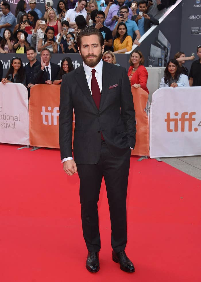 The World Now Knows Jake Gyllenhaal's Real Height Thanks To