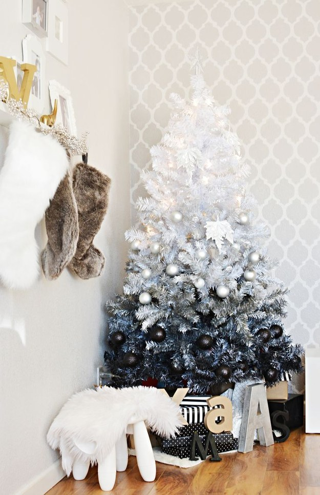 25 make a white christmas tree a trendy ombr. Black Bedroom Furniture Sets. Home Design Ideas