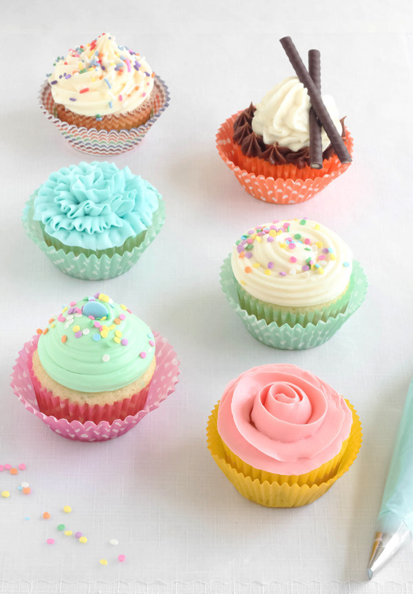 Cake Designs Using Cupcakes : 27 Ridiculously Creative Ways To Decorate Cupcakes