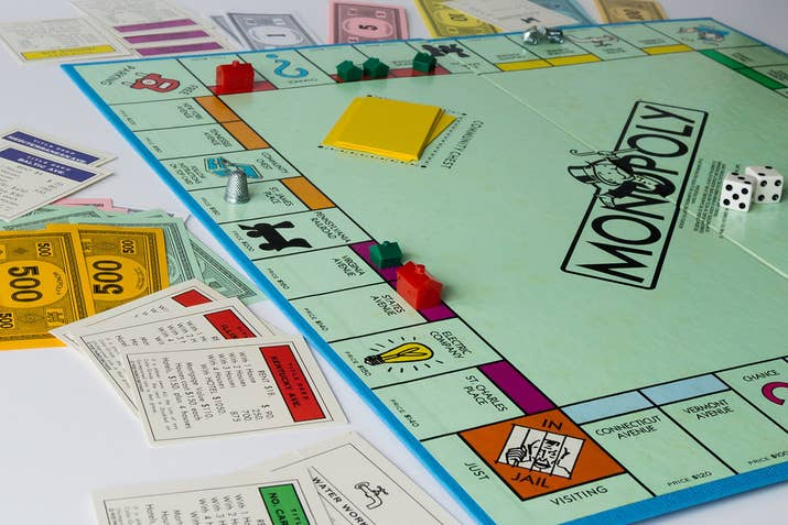 Do yourself a favor and never play monopoly with the people you love on the surface monopoly seems like a fun board game you can enjoy with family and friends solutioingenieria Gallery