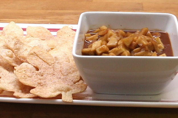 How To Make The Most Flavorful Caramel Apple Dip Perfect For Your Fall Dinner Party