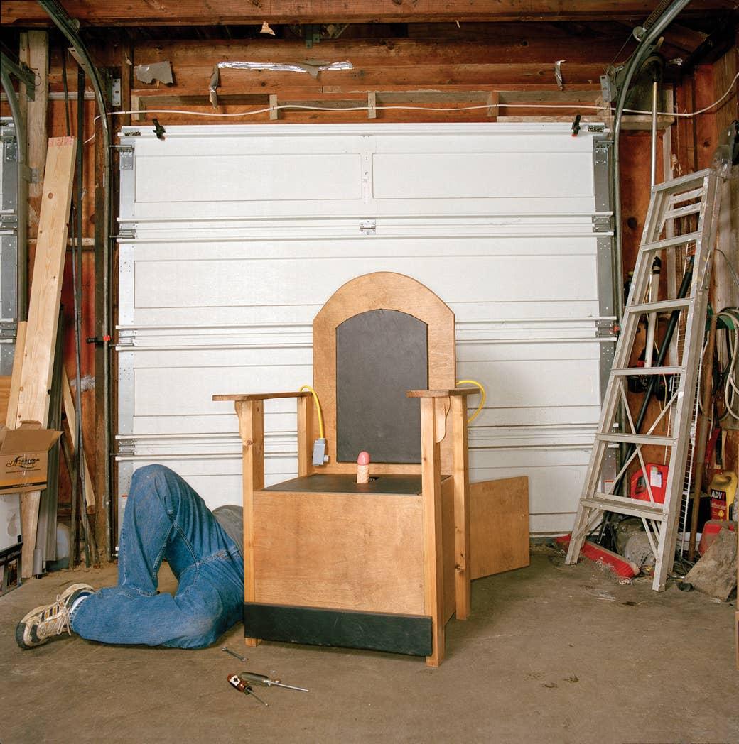 23 Profoundly Disturbing Photos Of Homemade Sex Machines In America – Sex Rocker Chair