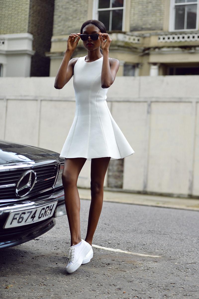 vestidos con tenis vans