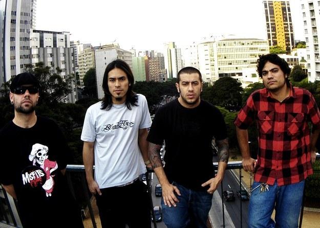 A música mais tocada no Brasil era do CPM22.