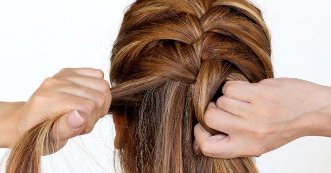 14 trucs et astuces pour les nuls en coiffure qui veulent prendre soin de leurs cheveux. Black Bedroom Furniture Sets. Home Design Ideas