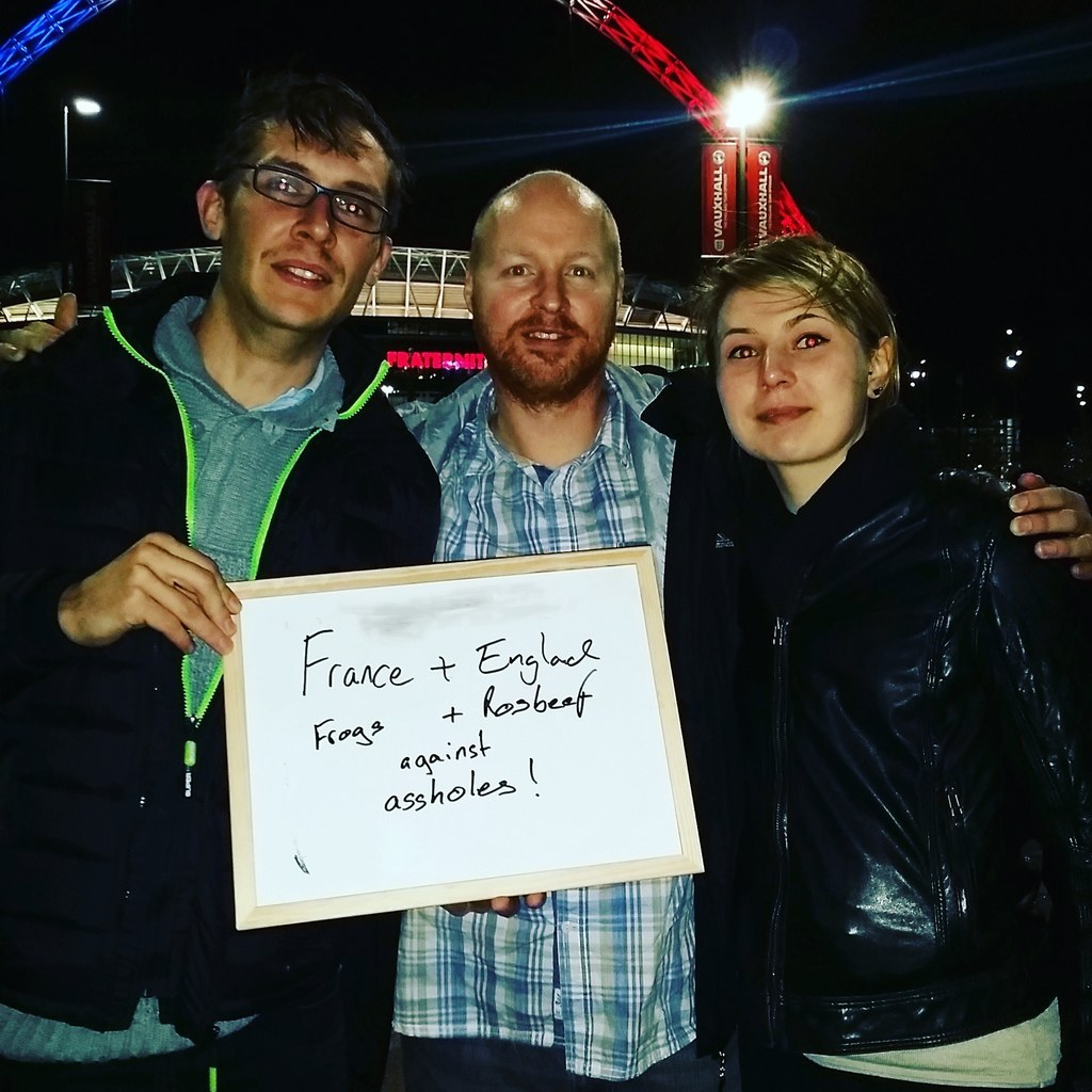 Englands singing assholes